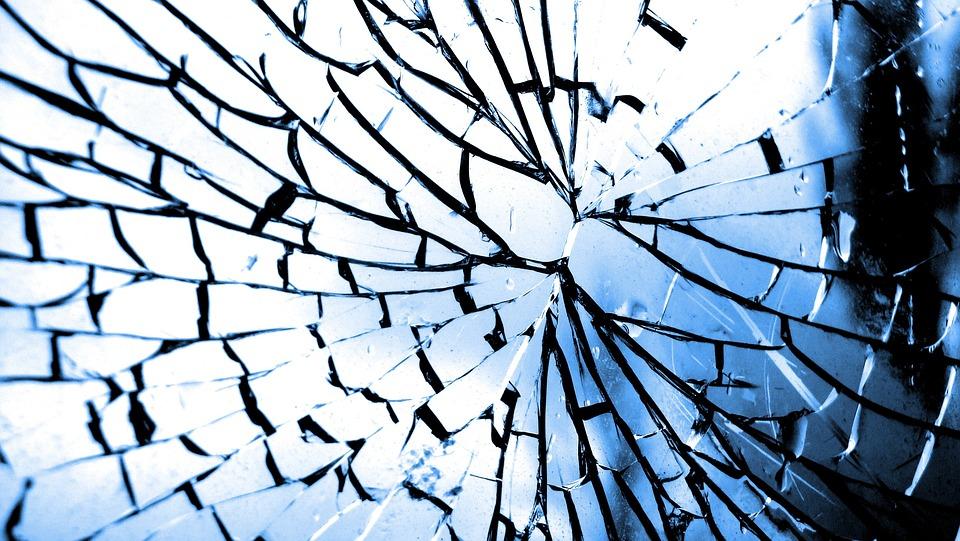 glass-101792_960_720.jpg
